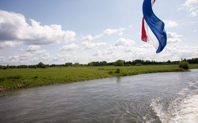 vaartocht_Vlag_varen_lyklamastate_Bed_and_breakfast_Friesland_Noord_nederland